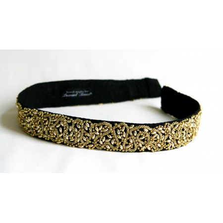 Cordon / curea ornament, cu aplicații șnur și mărgele aurii, lățime 4 cm.