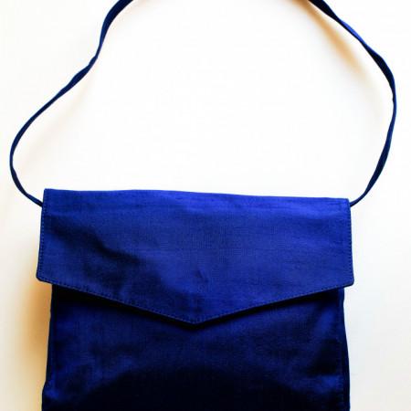 Poșetă șantung natural bleu-marin.