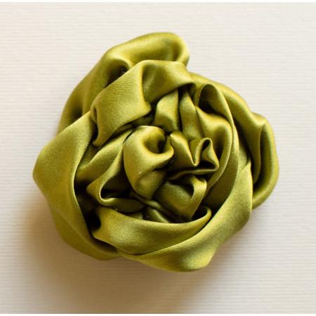 Floare broșă mătase verde, diametrul de 6 cm.