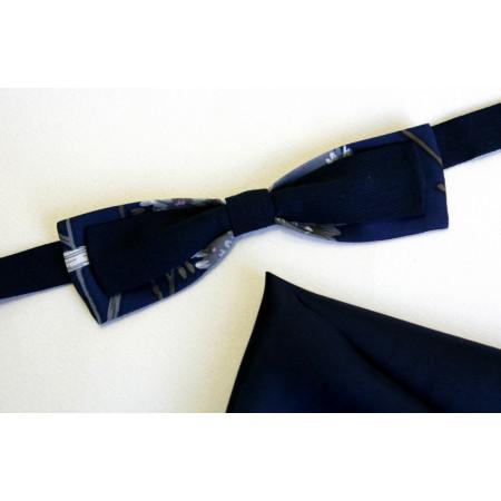 Papion combinație mătase naturală bleu-marin imprimat, cu țesătură rips uni, lățime 4 cm, batistă mătase naturală bleu-marin.