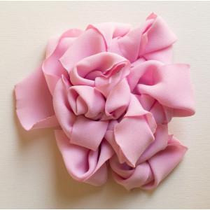 Floare broșă.