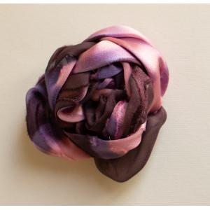 Floare mov cu roz.