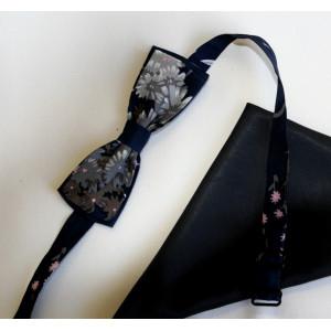 Papion mătase naturală bleu-marin imprimată, lățime 4 cm, batistă mătase naturală bleu-marin uni.