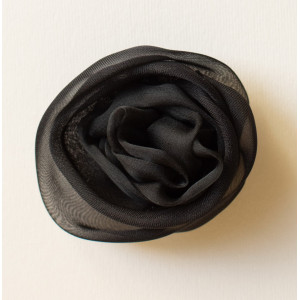 Floare voal negru.