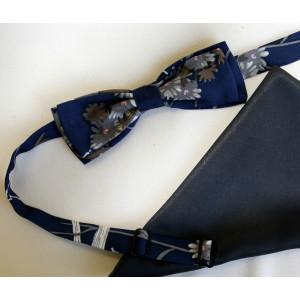 Papion mătase naturală bleu-marin imprimat cu flori, lățime 4 cm, batistă mătase naturală bleu-marin uni.