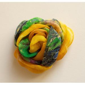 Floare galben cu verde.