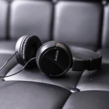 Casti audio Sony MDRZX110APB, tip DJ cu control telefon, negru