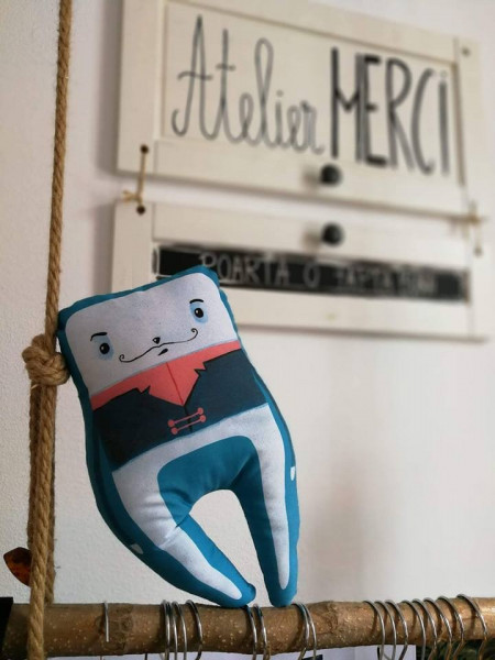 Toy The Incisor Friend