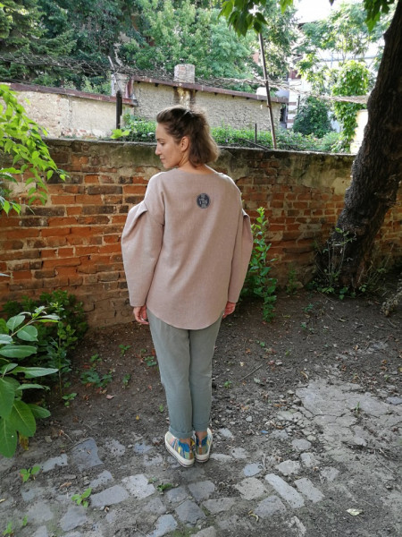 Time measured in emotions Blouse