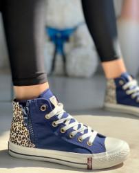 TENISI COD: AKA BLUE