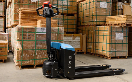 Poze EPT20-15ET2 Transpalet electric, 1.500 kg., baterie AGM, fara intretinere, incarcator integratat