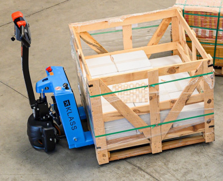 Poze EPE151 Transpalet electric, 1.500 kg., baterie AGM, fara intretinere, incarcator integratat