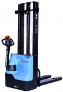 ES 1533 Transpalet electric cu inaltime de ridicare 3.300 mm, capacitate 1.500 kg., baterie AGM fara intetinere, controler CURTIS