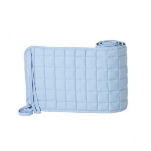 Protectie patut albastru deschis din bumbac organic 28x180 cm Hush Quilted Ferm Living