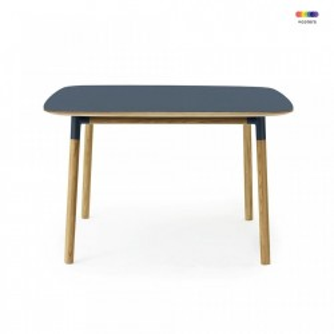 Masa dining albastra din linoleum si lemn de stejar 120x120 cm Form Normann Copenhagen