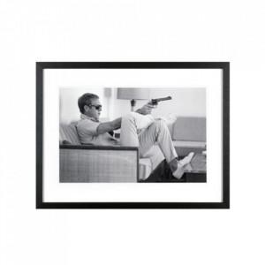 Rama foto neagra/alba din lemn si sticla 40x50 cm Steve Mcqueen Revolver LifeStyle Home Collection