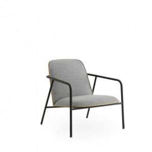 Scaun lounge gri din otel si textil Low Pad Normann Copenhagen