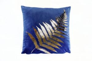 Perna decorativa patrata albastra/aurie din catifea 40x40 cm Betty Invicta Interior