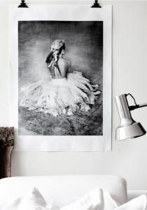 Poster 100x70 cm tyvek Her Love Warriors