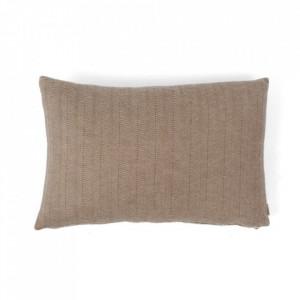 Perna decorativa dreptunghiulara maro deschis din fibre acrilice 40x60 cm Kata Oyoy