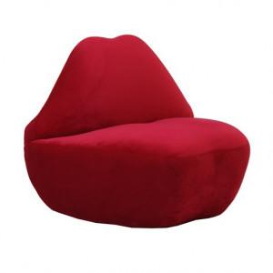 Scaun lounge rosu din catifea Kiss Van Roon Living