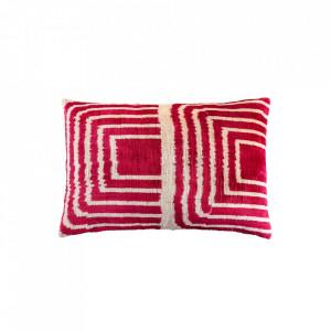 Perna decorativa dreptunghiulara roz/crem din catifea 40x60 cm Ikat Pink Versmissen