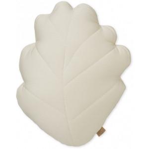 Perna decorativa bej pentru copii din bumbac organic 30x38 cm Leaf Light Sand Cam Cam