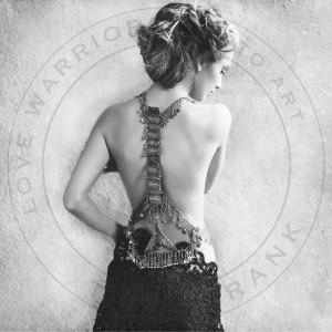 Poster 100x100 cm tyvek Grace Love Warriors