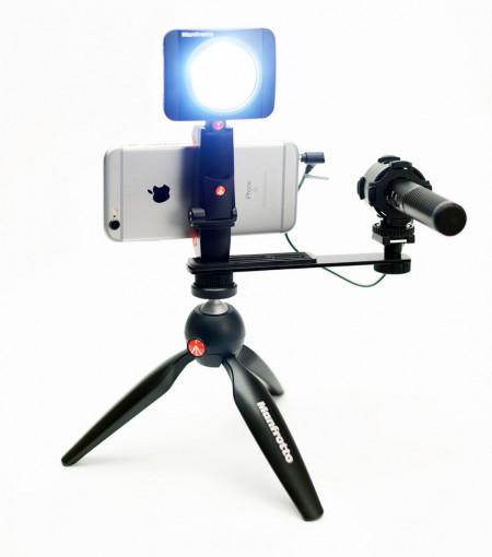 Manfrotto Kit pentru Vlogger cu minitrepied, microfon si LED 3