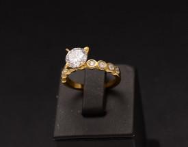 Inel inox auriu de logodna cu ---ZIRCONII--- ALBE Cod IF648C