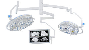 Slika DR. Mach LED 3 and LED 3 OT-lights with camera and monitor