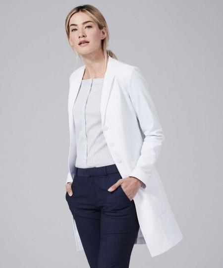 Slika Beli zenski doktorski mantili moderno dizajnirani