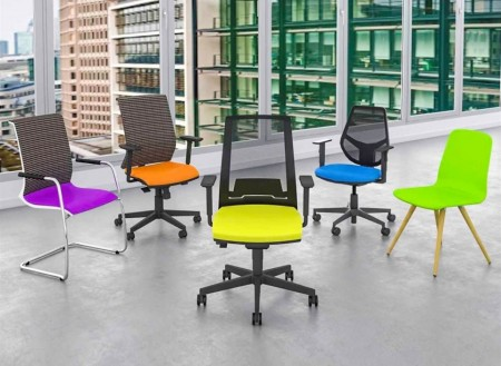 Slika Color Beneton Kabinetske stolice za lekare u vise boja