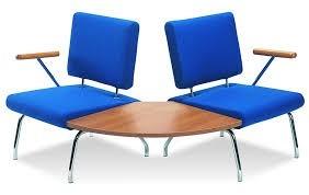 Slika NI-P11 Zakrivljene stolice za cekaonicu