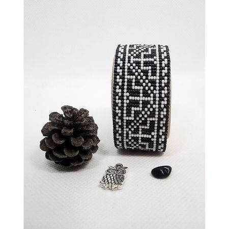 Bratara lata tesuta manual din margele foarte marunte Dar cu dor - motiv traditional negru cu alb