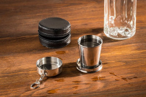 Pahar metalic shot pliabil