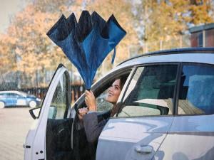 Umbrela cu inchidere inversa si maner Hands-Free