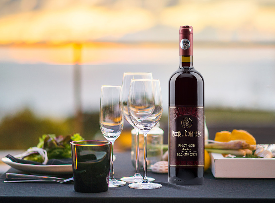 Vincon, Beciul Domnesc, Pinot Noir, Demisec, 13%, 0.375L