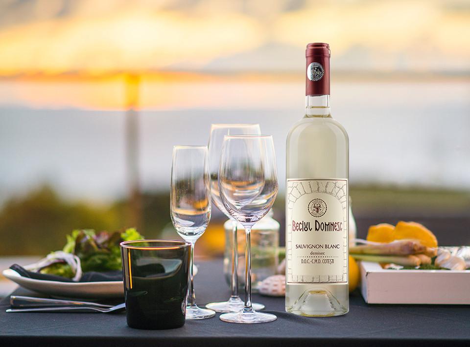 Vincon, Beciul Domnesc, Sauvignon Blanc, Demisec, 14%, 0.375L