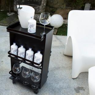 Minibar negru cu roti