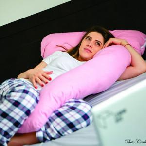 Pernă pentru gravide și alăptare - MODEL ROZ