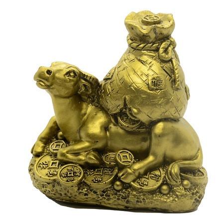 Bivol cu monede si sacul abundentei remediu Feng Shui din Rasina, 80 mm lungime