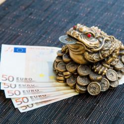 Statueta feng shui Broasca cu moneda in gura , noroc si prosperitate