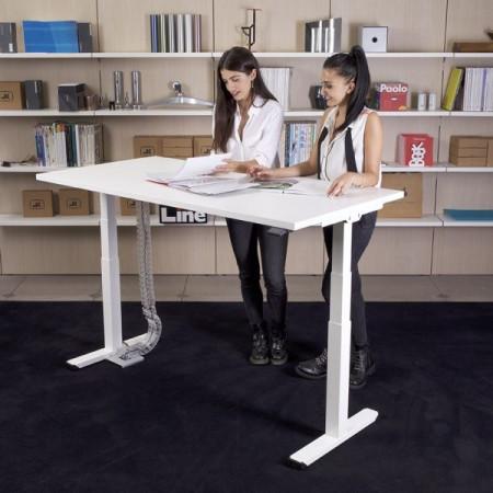 scrivania regolazione altezza