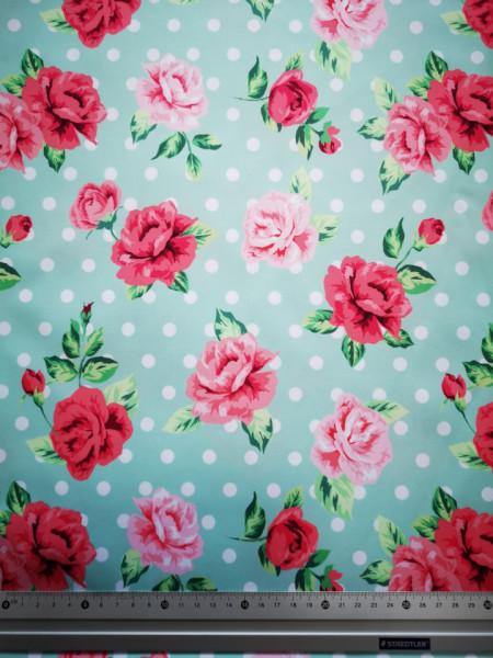 Trandafiri cu bulinute material PUL pentru scutece textile moderne