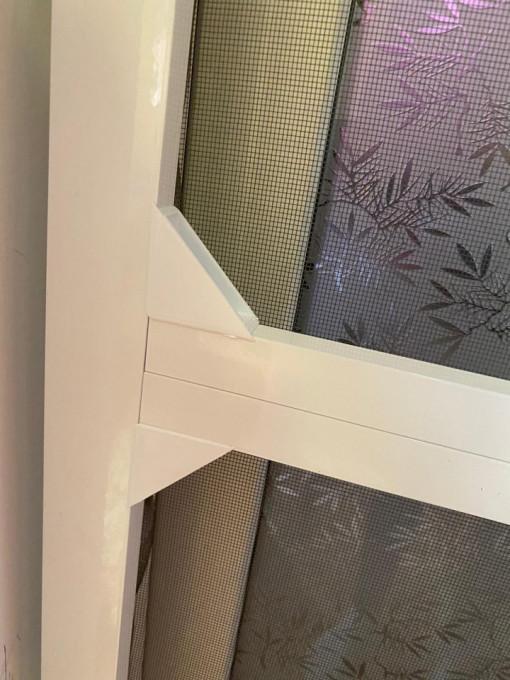 Plasa-insecte-profil-dublu-aluminiu-alb
