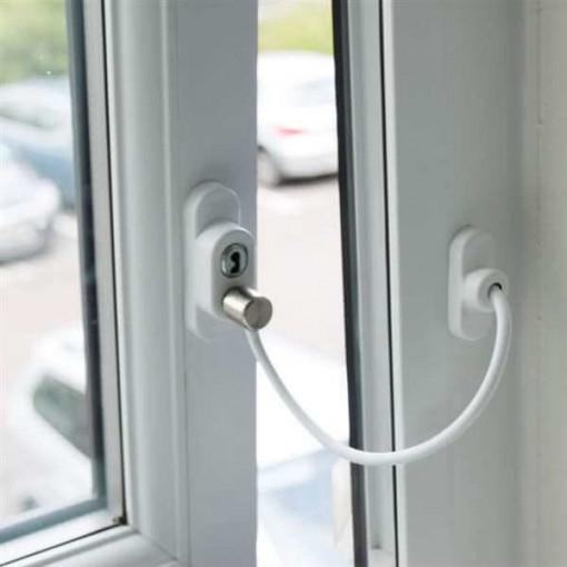 Sistem restrictionare fereastra alb protectie copil