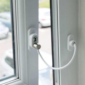 Sistem restrictionare fereastra sau usa pvc cu cablu, alb, maro