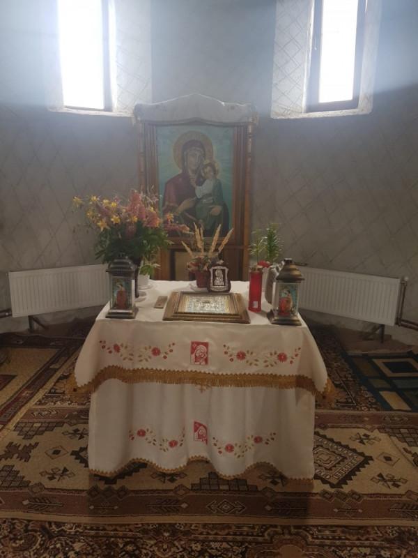 Poze Acoperaminte Sfanta Biserica - Fata de masa