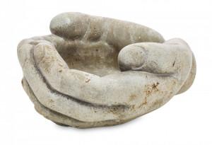 Ghiveci de piatra in forma de maini, gri, 11 x 17 x 19 cm